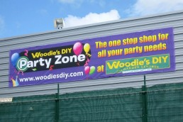 Woodies DIY - Polyester Banner with Eyelets