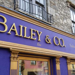 Bailey & Co. - Prismatic 3D Lettering